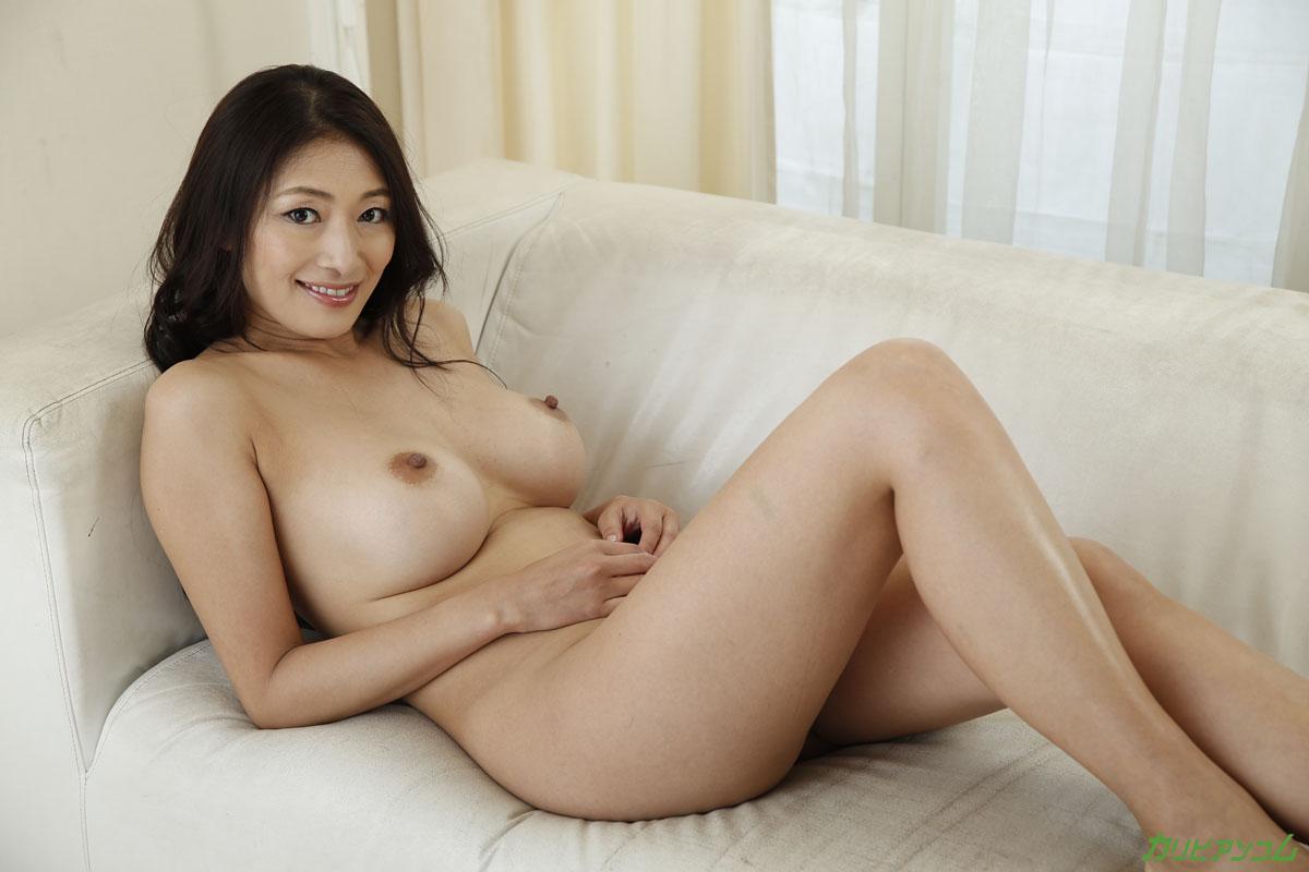 無修正、小早川怜子。マンコぐちょぐちょ、隠語連発巨乳美熟女