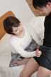 マンコをさらして息子の同級生を誘惑する母...thumbnai8