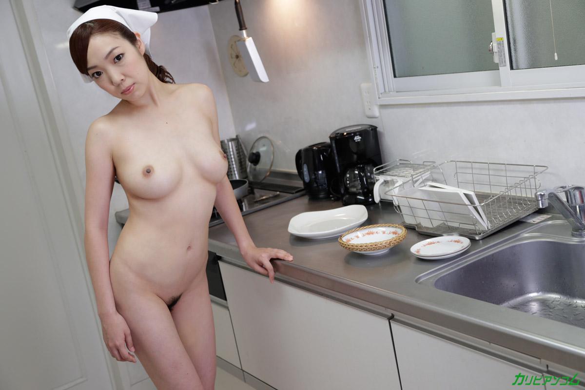 巨乳家政婦 ~満足して頂けるよう全裸で頑張ります~